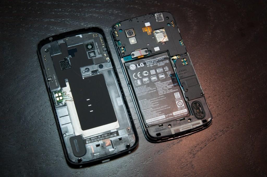 Nexus 4 со снятой задней крышкой