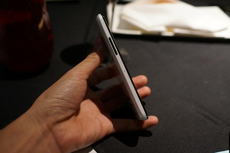 White Nexus 4 upd2